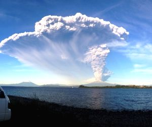 Chile's National Service of Geology and Mining shows the Calbuco volcano after its eruption