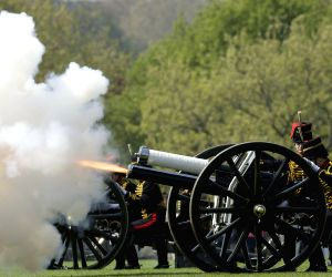 BRITAIN-LONDON-QUEEN-BIRTHDAY-GUN SALUTE