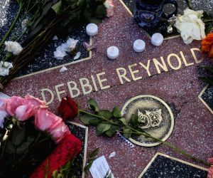 Lourd to pay tribute to Debbie Reynolds on 'Will & Grace'