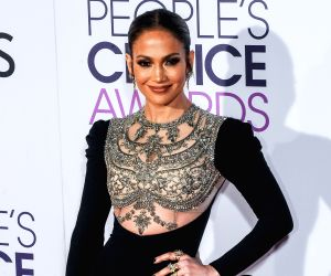 Comedy films an 'escape' for JLo