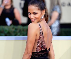 LOS ANGELES, Jan. 22, 2018 - Actress Halle Berry attends the 24th annual Screen Actors Guild (SAG) Awards at the Shrine Auditorium in Los Angeles, the United States, Jan. 21, 2018.