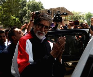'Gulabo Sitabo' screams of diligent writing: Big B