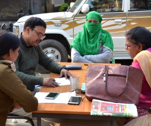 Madhu Kumari, one of the accused in the Muzaffarpur shelter home rape case, with CBI officials at a police station, on Jan 11, 2019.