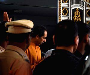 Uddhav Thackeray arrives at Shiv Sena Bhavan for party meeting