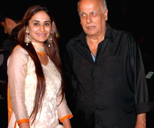 Alisha Khan hopes to share frame with Mahesh Bhatt