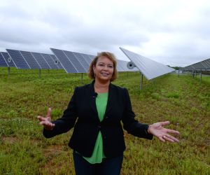 Solar panels at Apple Data Center in Maiden