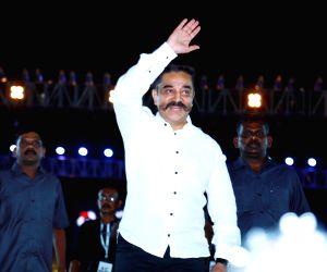 Kamal Haasan visits Thoothukudi firing victims