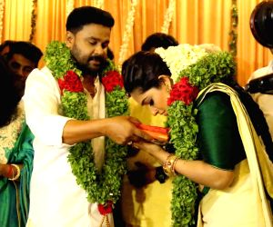 Malayalam actors Dileep and Kavya Madhavan's wedding ceremony