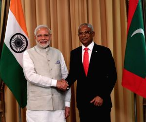 Modi holds bilaterals with Namibia, Maldives presidents