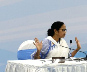 After CAA-NRC, Mamata unites opposition for battle 2.0 with Modi