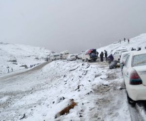 Manali-Leh highway closed after snowfall