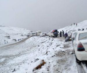 Manali-Leh highway closed after snowfall