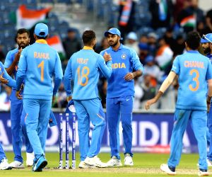 India romp to 89 run win over Pakistan in WC clash