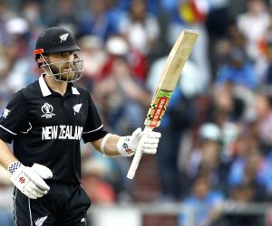 NZ opt to bat against England in WC final