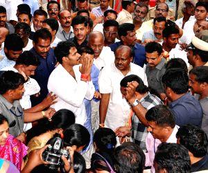 Deve Gowda, grandson file nominations for LS polls