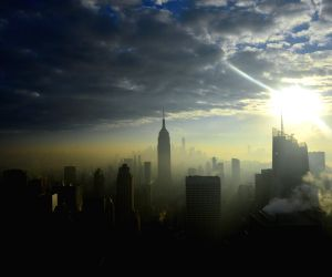 U.S.-NEW YORK-WEATHER-FOG