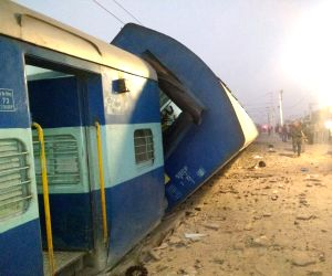 Manikpur (Uttar Pradesh): Three killed as Vasco Da Gama express derails in UP