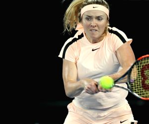 Svitolina beats Tomljanovic in French Open round 1