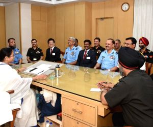 Members of National Defence College meet Mamata Banerjee