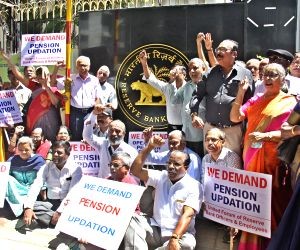 RBI employees' demonstration