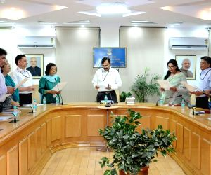 """Pachgaon (Haryana): """"Swachhta hi Sewa"""" pledge - N.K. Sinha"""