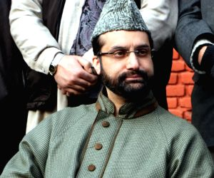 Restrictions in Srinagar to prevent Eidgah march