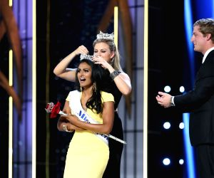Indian American makes history as first Miss America