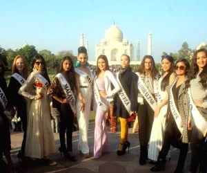 Miss Teen International 2018 participants visit Taj Mahal
