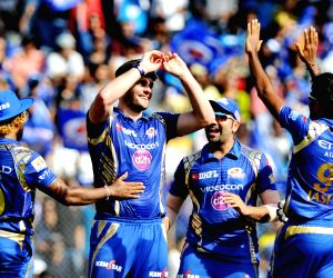 IPL 2017 - Mumbai Indians vs Royal Challengers Bangalore