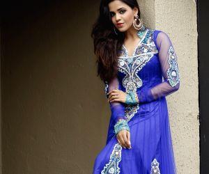 Photo shoot of Parina Mirza Ramzan