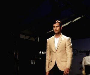 "FDCI Fashion Show ""Khadi - Transcending Boundaries"" - Payal Jain"