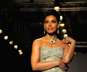 Amy Billimoria displays Saboo Fine jewelers collection at IIJW 2014 - Day 3