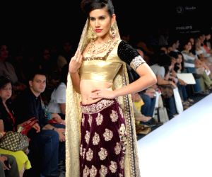 Models on the ramp of  Shyamal and Bhumika and Vivek Karunakaran presented diverse fashion trends for Spring/Summer 2010 at Lakme Fashion Week.