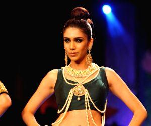 Bipasha Basu  showstopper at IIJW - Grand finale