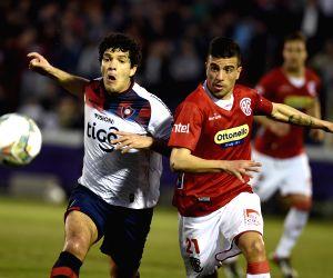 Rentistas v/s Cerro Porteno during South American Cup