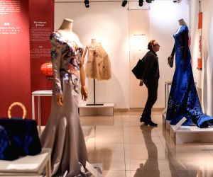 RUSSIA MOSCOW CHINA SILK FASHION EXHIBITION