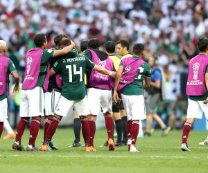 Confident Mexico up against under-pressure Koreans