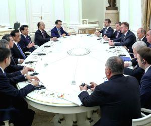 RUSSIA CHINA LI KEQIANG PUTIN MEETING