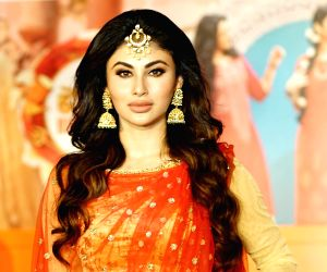 Mouni Roy grabs eyeballs