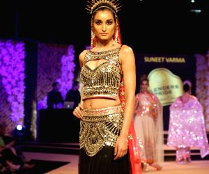 Blenders Pride Fashion Tour 2014 - Suneet Varma