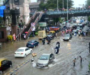 Rains batter Mumbai for fourth day