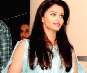 Script reading session of film Jazbaa