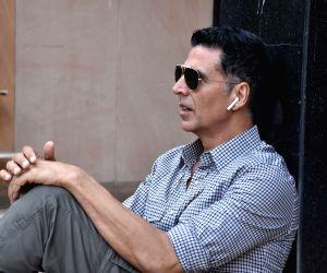 Akshay Kumar: Overwhelmed with response to 'Good Newwz'