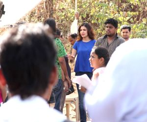 Anushka Sharma promotes film NH10 on the sets of 'Savdhaan India'