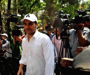 Salman Khan at Mumbai sessions court