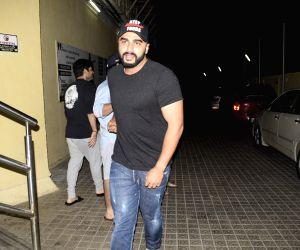 Sonam is courageous, beautiful: Arjun Kapoor