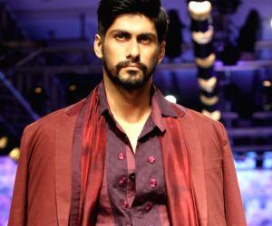 Designer Kunal Anil Tanna show at Lakme Fashion Week Summer Resort 2015  - Day  6