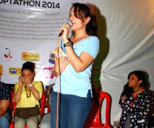 Richa Chadda, Kunal Khemu at Pet Adoption Camp