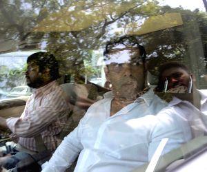 Salman Khan appears before Mumbai court