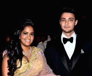 Salman Khan's sister Arpita and her husband Aayush Sharma confirm expecting second baby